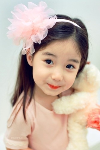 The World Of Ulzzang April 2014