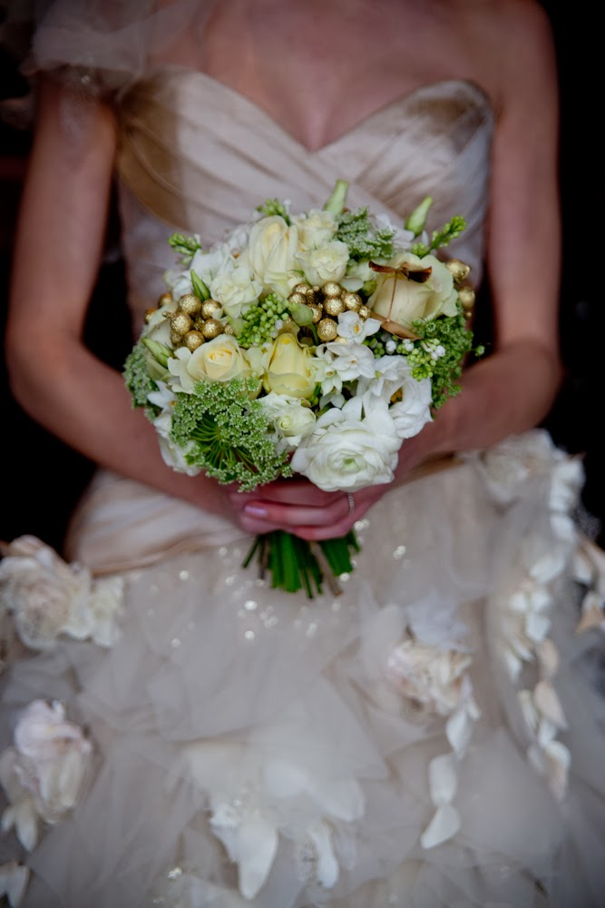 Gold inspired wedding flowers from daisy lane floral designs