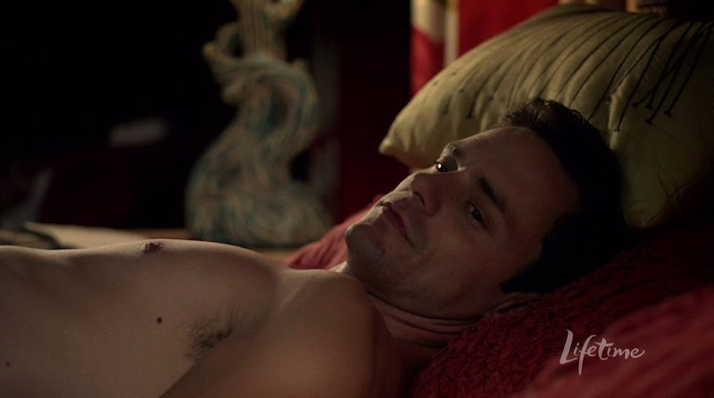 Chris Johnson Shirtless in Against the Wall s1e13