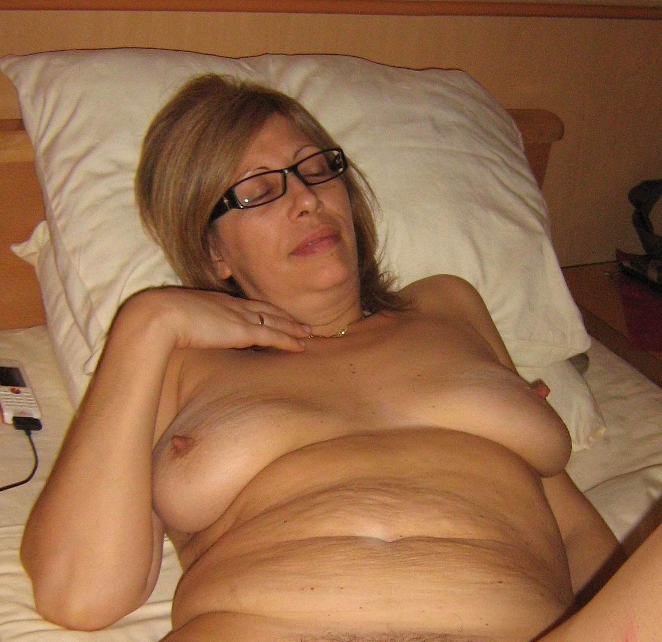 Horny milf blonde