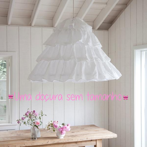 lustre branco