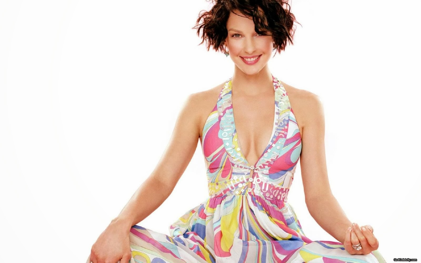 GRATUITOUS ASHLEY JUDD PHOTO*