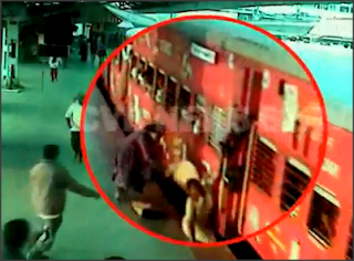 Video Ngeri Kemalangan Digilis Langgar Keretapi Kereta Api