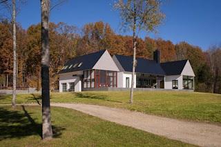 Fachada de casa de campo