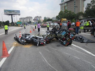 Kemalangan Superbike Di NKVE 22 Nov 2012