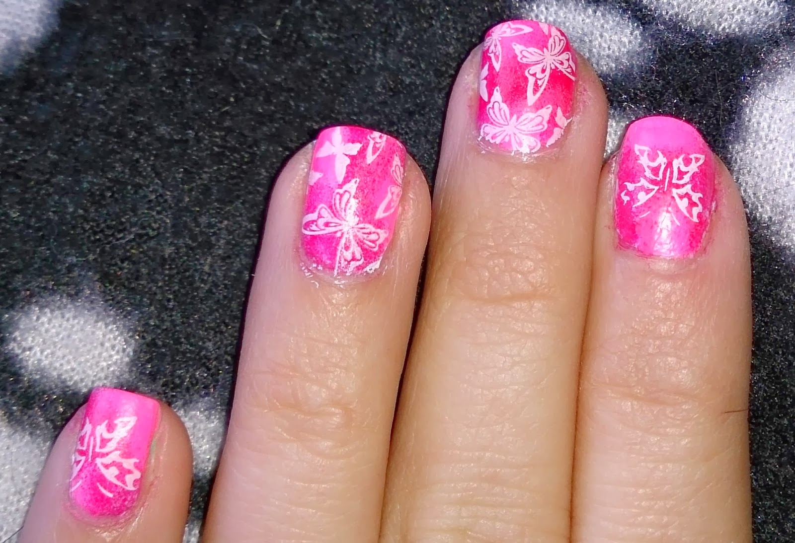 butterfly butterflies nail stamping stamp tutorial how to bundle monster plates pink ombre makeup sponge technique