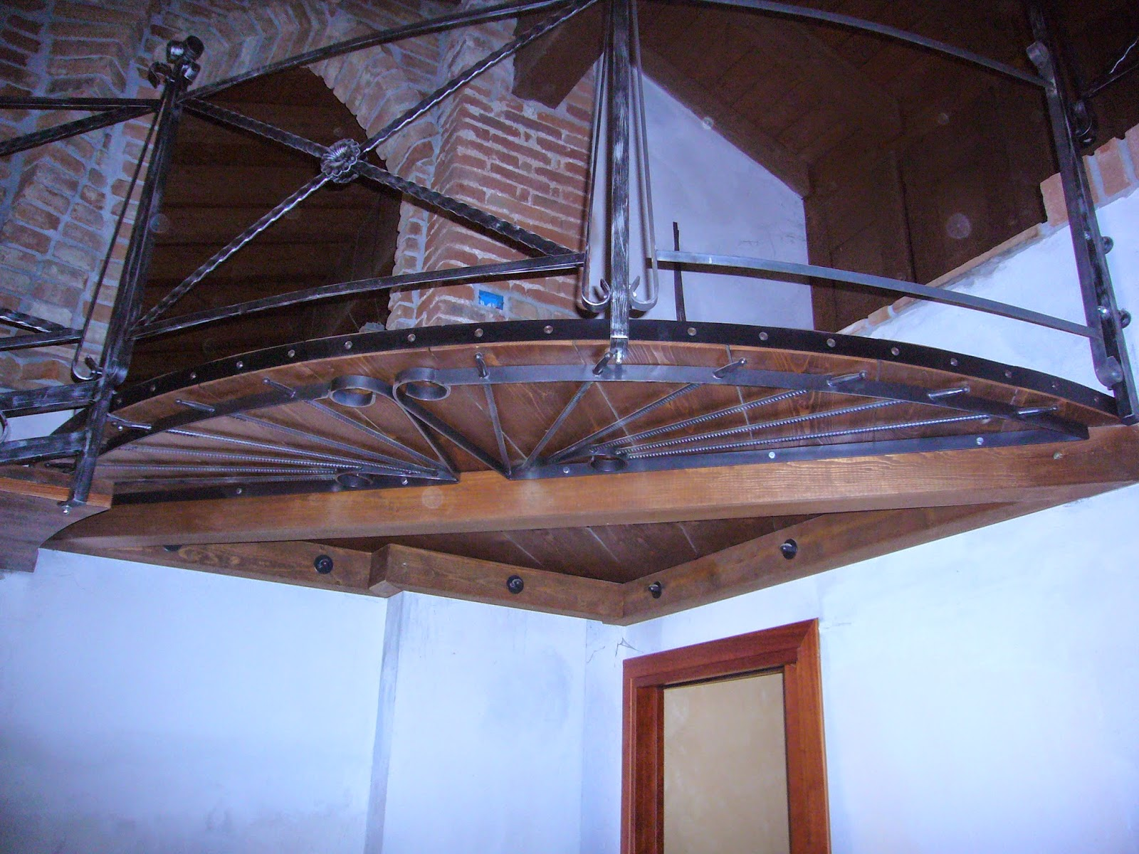 Ringhiere scale in legno fai da te: decorazione dell interno ...
