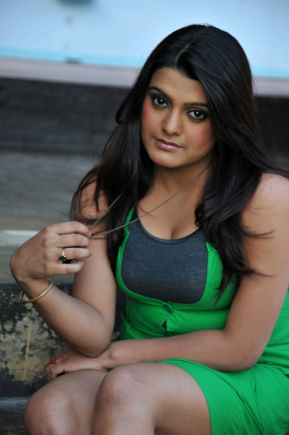 Tashu Kaushik Latest Hot stills
