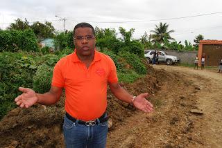 Regidor Antonio Feliz crítica JCE permita local PLD frente a centro educativo