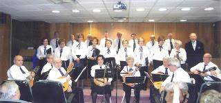 Semana de Mayores de Vicálvaro - rondalla y coro El Madroño