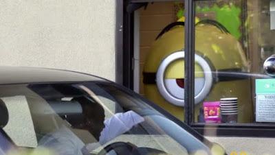 McDonald's surprend ses clients avec un Minion géant