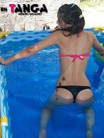 Natalia chica hot piscina