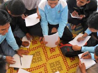 Ilustrasi halaqah (foto dakwatuna.com)