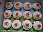 Red Velvet Cupcakes 16pcs RM48