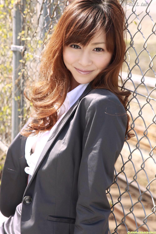 popwrap: Anri Sugihara