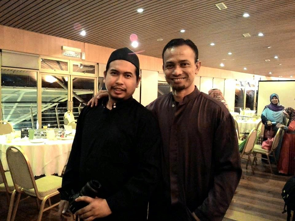 Blogger Khir Khalid
