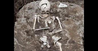 """Túmulo de """"vampiro"""" é encontrado na Bulgária"""