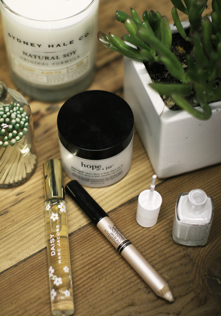 Beauty Essentials Hope In a Jar MAarc Jaxobs Daisy