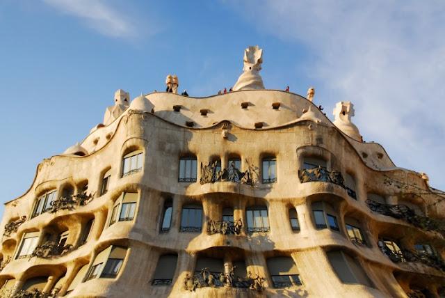 Gaudí binaları  İspanya