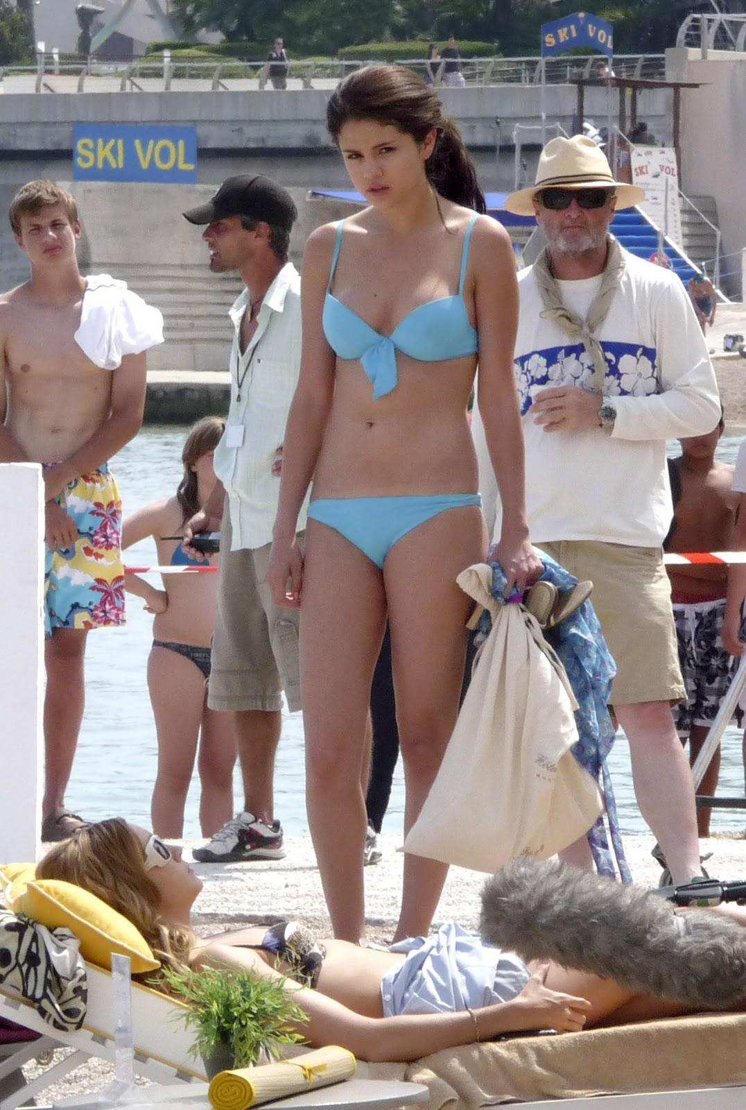 """sembrono: Selena Gomez in Bikini At """"Monte Carlo"""""""