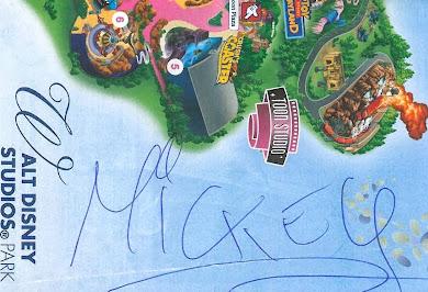 Αυτόγραφο του Μίκυ Μάους  λίγο πριν βγει για την μεγάλη παρέλαση στη Disneyland !!!!