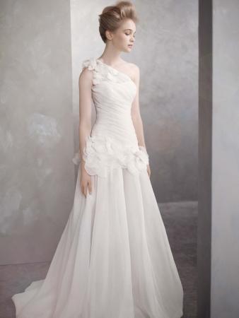 http://4.bp.blogspot.com/-1Lcn1TshIuk/T6JbEEsjHGI/AAAAAAAAC6A/YMxTtrQUM2Y/s1600/vera-wang-romantic-organza-a-line-wedding-gown.jpg