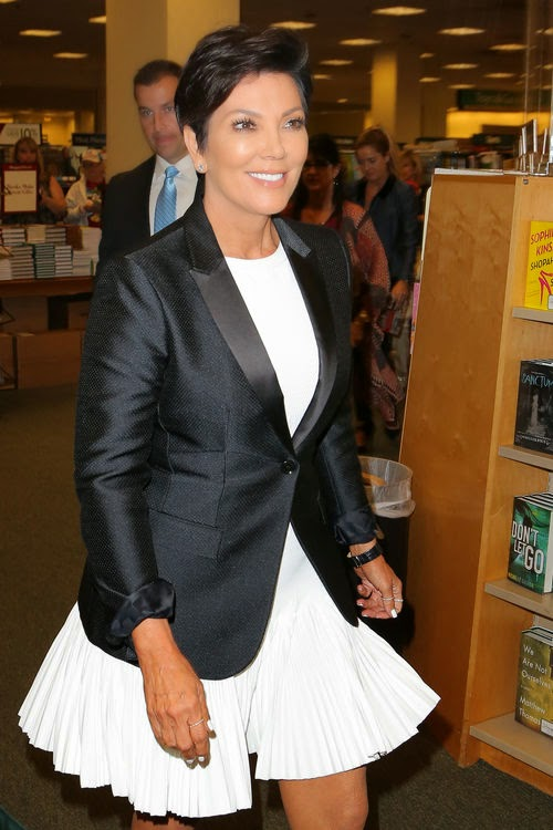 It's official: Kris Jenner is awarded again!