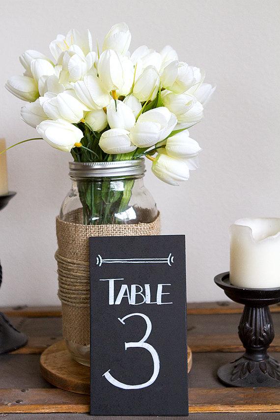 numeri per i tavoli, per un effetto vintage assicurato, via etsy ...