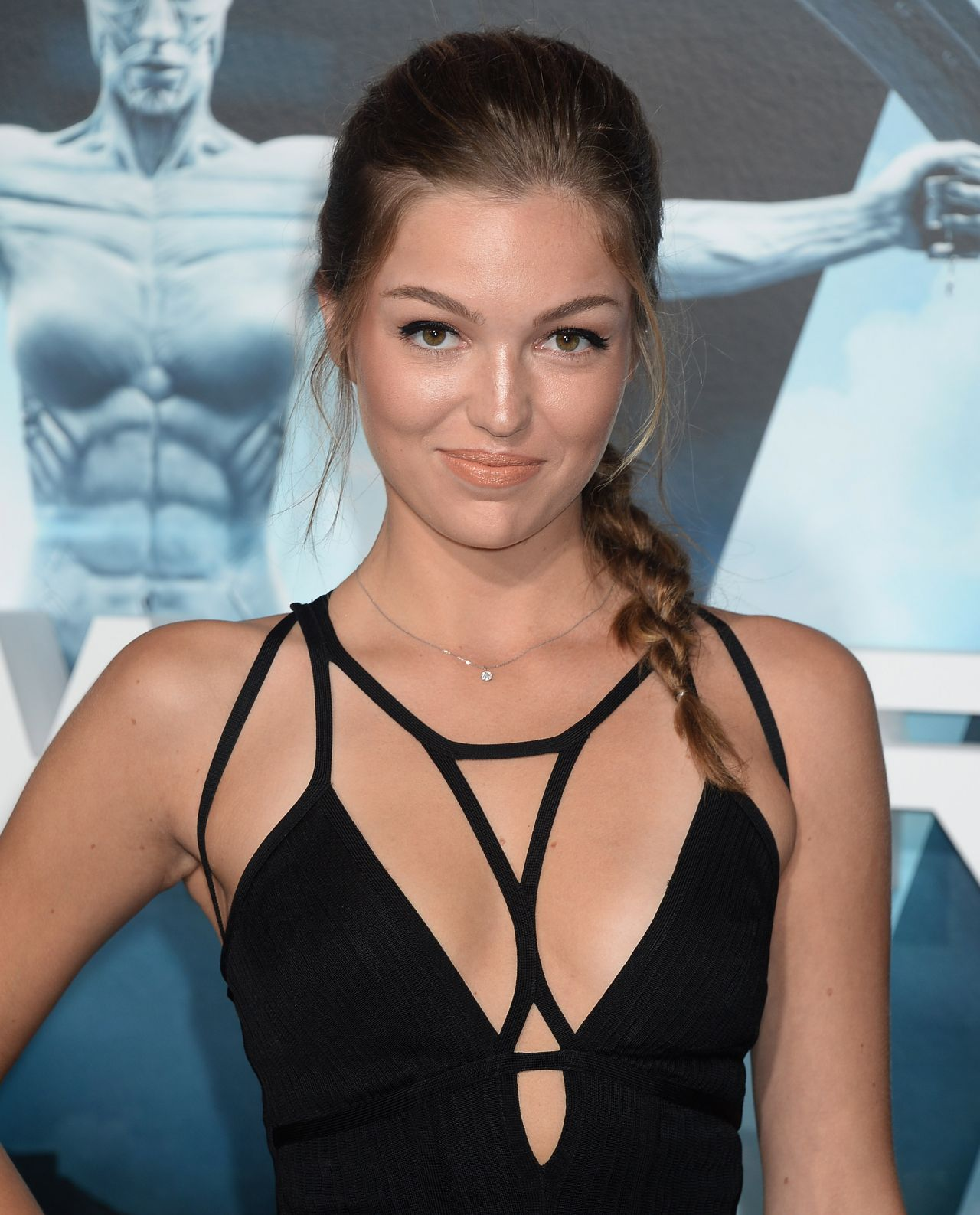 Lili Simmons Nude Photos 76
