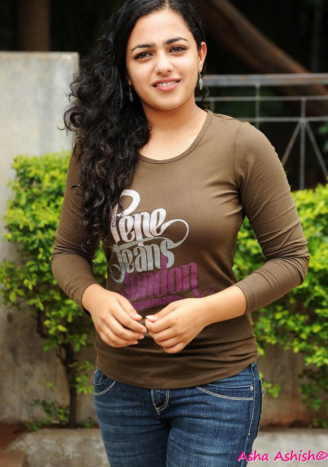 Malayalam Actress Nithya Menon in Top and Jeans HQ Gallery