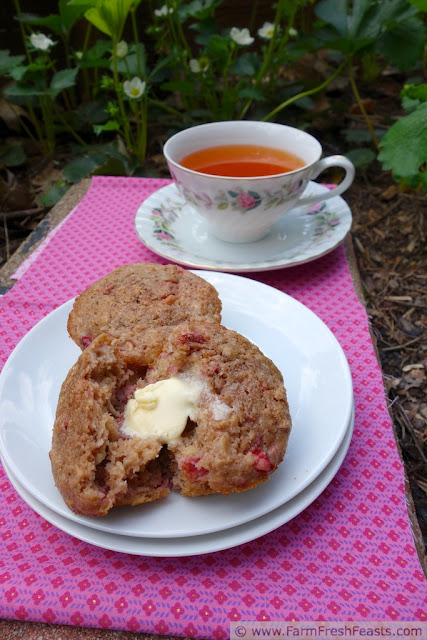 http://www.farmfreshfeasts.com/2013/06/strawberry-sour-cream-brown-sugar.html