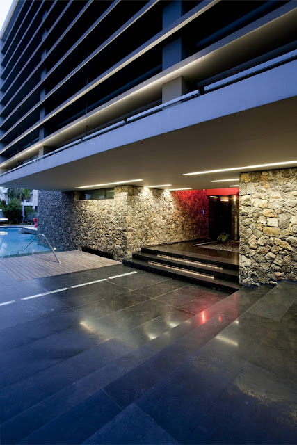 Picture of modern entrance area with black stone on the floor