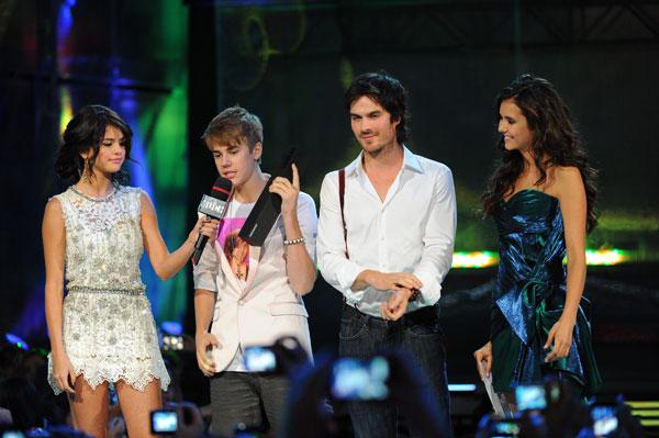 selena gomez and justin bieber 2011 june. Justin Bieber amp; Selena