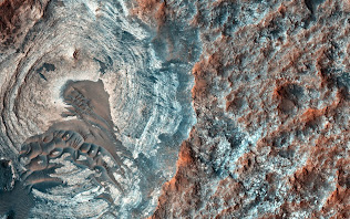 DEPRESSION ON SURFACE OF MARS