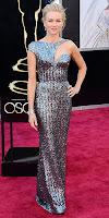 Наоми Уотс в асиметрична рокля на Оскари 2013