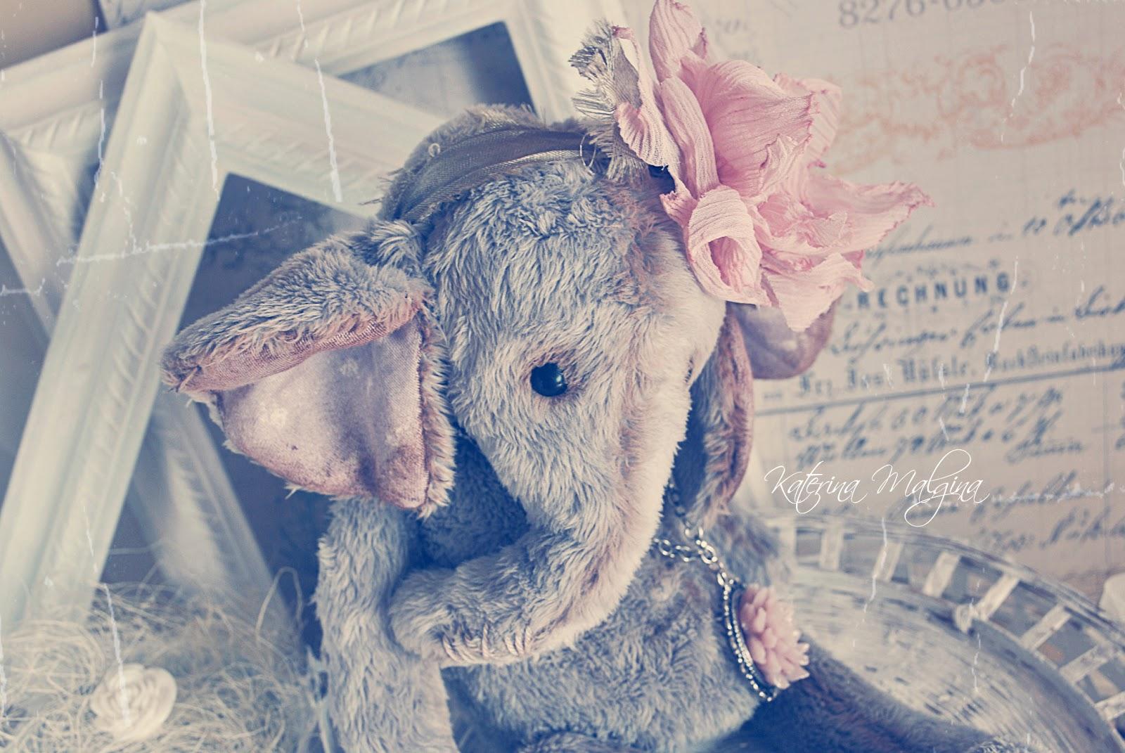 тедди слоник с розовым цветочком