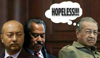 Muhyiddin Telah Disingkirkan Oleh Mahathir