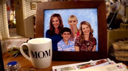 Mom-cast