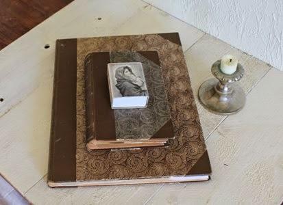 Vakre, gamle bøker er stemningsskapende i rommet