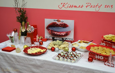 Kissmas party table