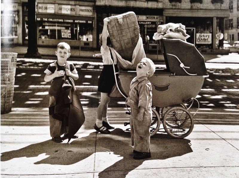 vivian mayer photographer kids in the street New York City