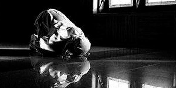 Bacaan sujud dalam sholat 5 waktu dan doa ketika duduk diantara dua sujud
