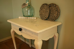 Queen Anne table met Vintage tekst