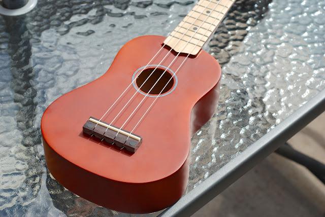 Harley Benton HBUK-11NT ukulele