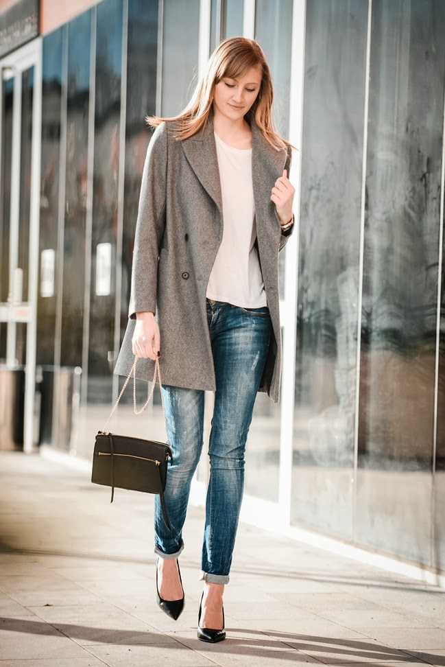 zara grey oversized coat, ltb jeans, bershka pointed black court heels, hm clutch bag, rebecca minkopf lookalike zipper bag, style blogger, fashion blogger