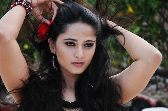 anushka shetty hot photos high resolution pictures