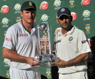 Graeme-Smith-MS-Dhoni