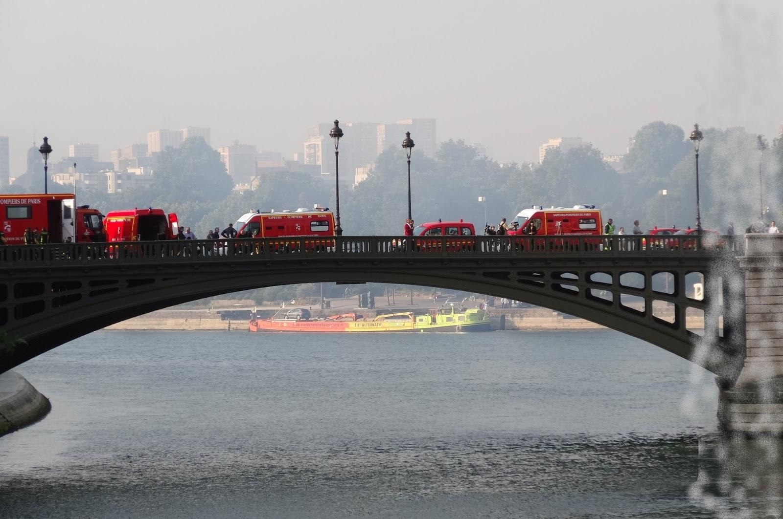Sur Le Pont Des Arts