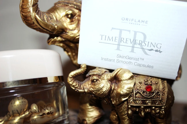 Oriflame: Time Reversing SkinGenist Instant Smooth Capsules. Oriflame skincare. Best skincare products with soy.
