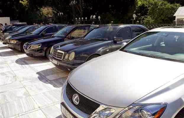 Πάει η επανάσταση σύντροφοι... Τρεις μόνο βουλευτές του ΣΥΡΙΖΑ είπαν «όχι» στα βουλευτικά προνόμια